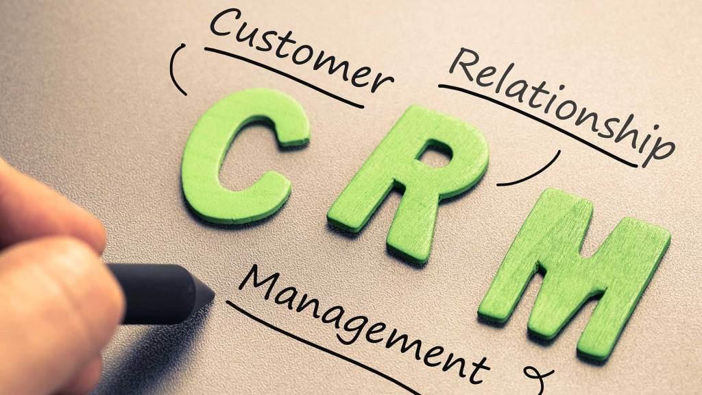 Estrategia CRM y 4 de sus beneficios